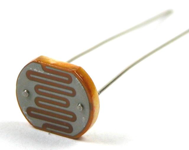 сегодня кто придумал фоторезистор счастливо светло